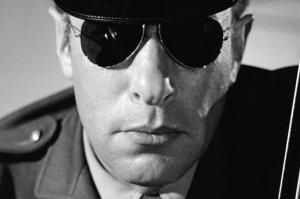 psycho-1960-005-traffic-cop