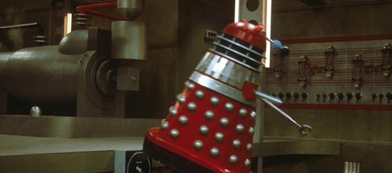 y_Dalek_red_Dalek_flying